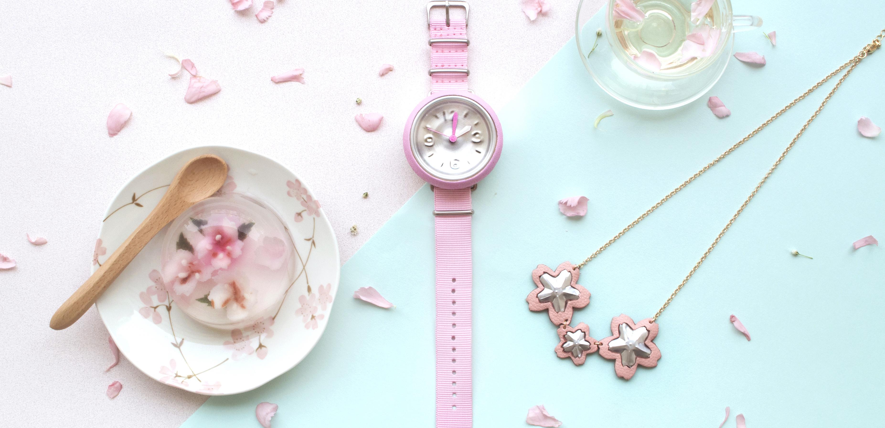 【 ~點襯粉紅色先更甜美~】